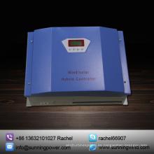 Controlador híbrido eólico solar para fuente de alimentación familiar fuera de red