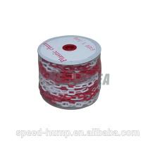 Precio bajo para vender Color rojo y blanco Cadena de eslabones de plástico duradero de 50 m de longitud