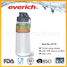 Reutilizando garrafas de plástico para venda com gancho de metal
