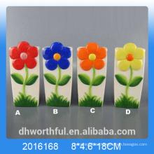 Elegante humidificador de aire de cerámica con figurilla de flores