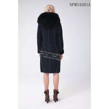 Cappotto in shearling merino australiano decorato con fili luminosi