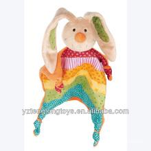 2014 Nuevo producto conejo arco iris Soother bebé suave Bunny Toy Security manta