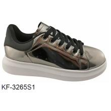 Классическая спортивная обувь для скейта / зеркало
