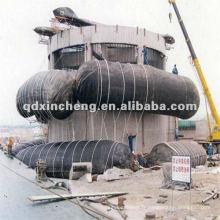 bateau sous l'eau avec airbag de récupération