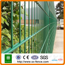 Security fence with double edges