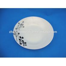 Дешевая фарфоровая тарелка с черным рисунком