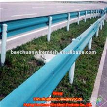Powder beschichtete Autobahn W-Beam Wellpappe Barriere (Herstellung)