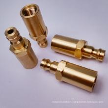 Connecteurs en laiton avec processeur CNC