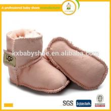 Fabricante 2015 Venta al por mayor caliente micro gamuza niños zapatos suave único bebé botas de cuero zapatos
