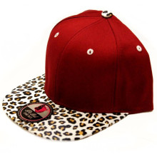 Customized Design Snapback Hat with Leopard Leather Brim