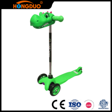 Stable quality cheap kids foot pedal roller scooter 3 wheels