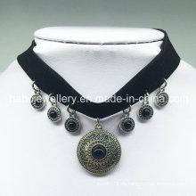 Luxus Schwarze Samt Anhänger Choker Halskette (XJW13684)