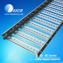 Bandeja de cable perforada al aire libre de HDG usada en proyecto de la energía eólica con el estándar internacional