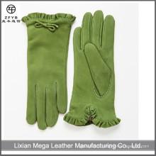 Gants de fantaisie féminine et gants en cuir de daim en vert foncé