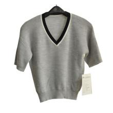 100%Merino Ladies V-Neck Knit Cropped Sweater