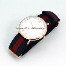 Heißer Verkaufs-Rosen-Gold-Edelstahl-dünner Uhr-Mann