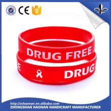 L'impression d'écran en soie a customisé votre bracelet / bracelet populaires de silicone de style