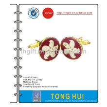 Os mancos metálicos de imitação de esmalte duro com o logotipo HK