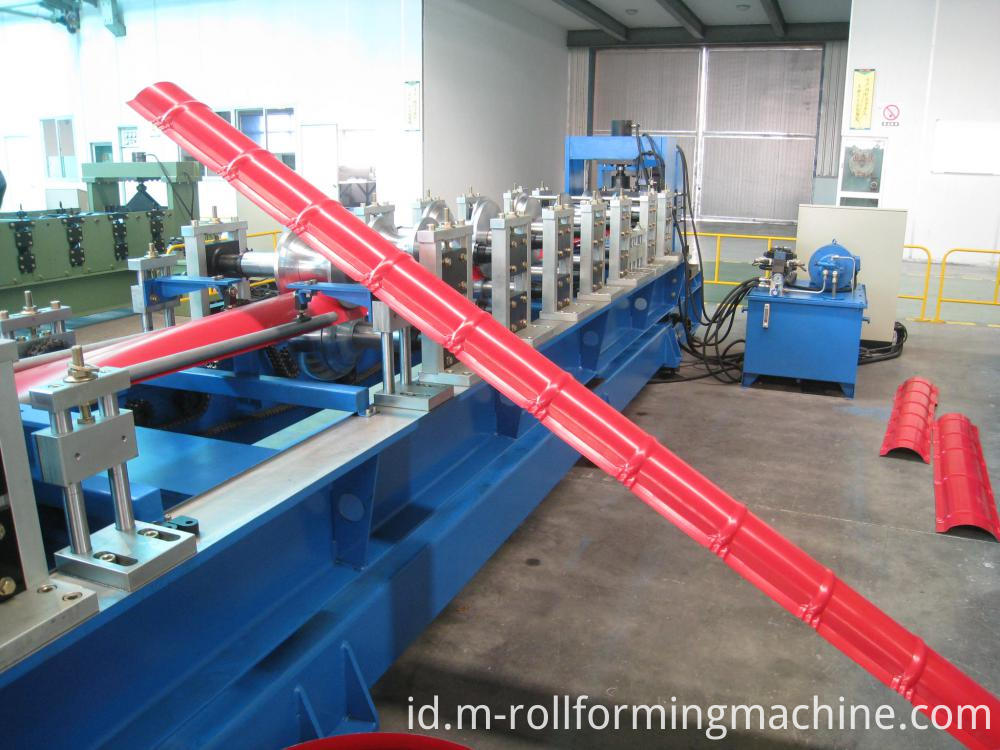Roll forming machines for roof ridge cap