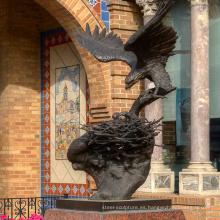 Escultura de águila de metal de alta calidad