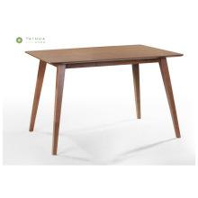 Mesa de jantar chanfrada de madeira maciça