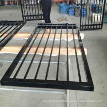 valla de hierro al aire libre