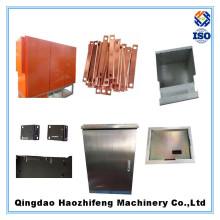 Metalltiefzeichnung, die Teile stempelt
