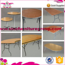 Banquet folding table for market