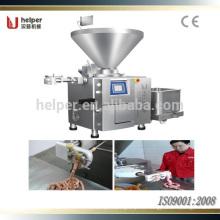 Máquina de salchicha con varias carcasas de salchicha