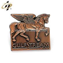 Kundenspezifische Zinklegierung 3D antike Kupfer Metall Pferd Abzeichen Pins