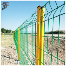 Easy to install peach shaped post fence