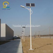 Poste de luz com bateria solar