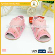 Горячее сбывание высокого качества симпатичная ткань холстины и pu верхние сандалии девушки девушки