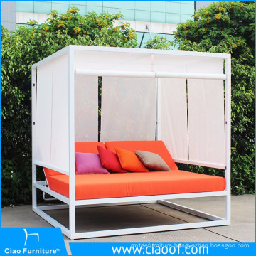 China Supplier Factory Bottom Price Outside Daybed