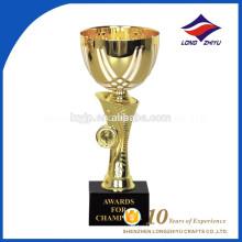 2017 nuevo tipo metálico elegante trofeo proveedores chino