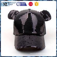 O projeto popular da novela da fábrica imprimiu o chapéu do camionista da malha A entrega a mais rápida