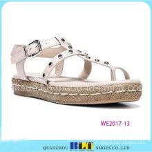 Dernières sandales de conception de chaussures de fille