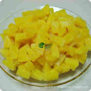 Conserves en ananas à l'ananas dans le sirop léger