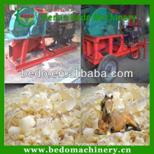 2014 the best selling mobile wood shaving machine for animal bedding for sale 008613253417552