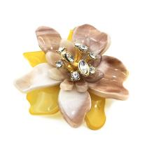 Manufacturers OEM Flower shape Resin Brooch women rhinestone brooches