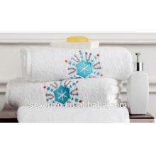 Toalla de toalla 100% algodón color claro bordado patrón de nieve Toallas de mano Ht-021