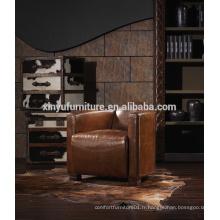Home a utilisé un canapé-lit antique en cuir pays A608