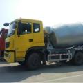 Dongfeng camion malaxeur à béton CUMMINS moteur 8m3 camion malaxeur à béton avec boîte de vitesses rapide