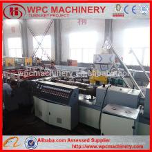 Machine de fabrication de panneaux composites en plastique PVC en bois / machine de fabrication de panneaux de construction WPC