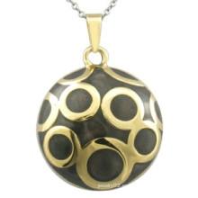 Colgante de esmalte negro con forma de joyería de oro