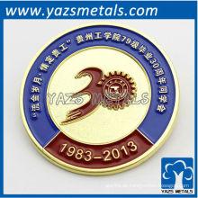 fertigen Sie Metall-Absolvent-Tagespib-Abzeichen besonders an