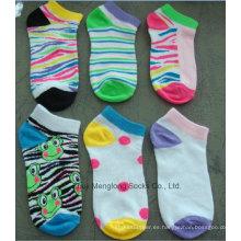 Calcetines calientes populares del algodón de la venta de la venta caliente sin calcetines de la demostración calcetines baratos del precio