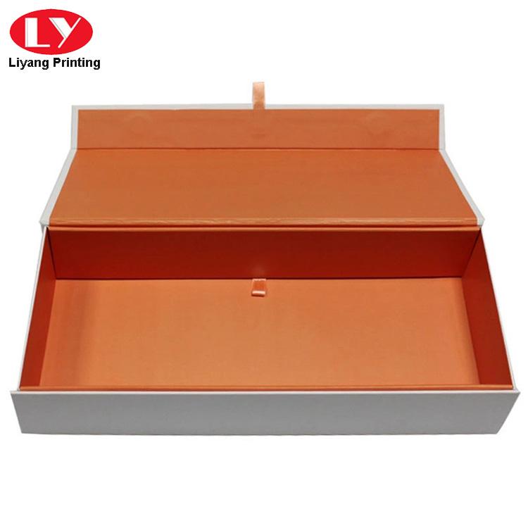 Flat Folding Box 1