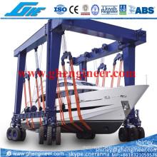 Rubber Mobile Gantry Crane for Handling Yacht Ship in Quayside