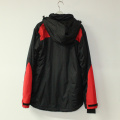 Negro / rojo Seam Taped impermeable acolchado de poliéster Pongee chaqueta con para adultos